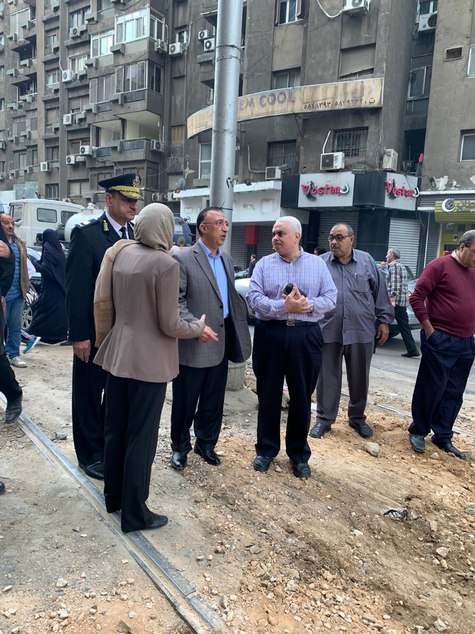 محافظ الاسكندرية يتفقد أعمال إعادة تأهيل مزلقان ترام الوزارة (4)