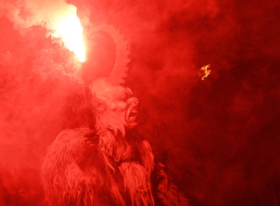 احتفالات مهرجان كرامبوس