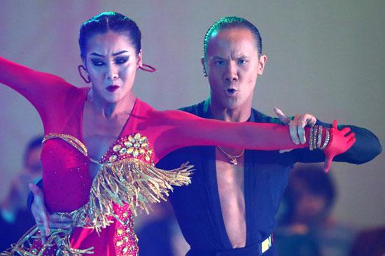 لاعبا-الفريق-التايلاندى-المشارك-فى-البطولة-خلال-أحد-العروض