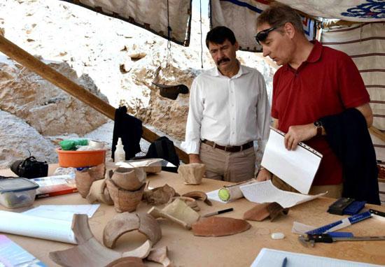 10-رئيس-المجر-يتابع-المكتشفات-الفرعونية-الجديدة-غربي-الاقصر