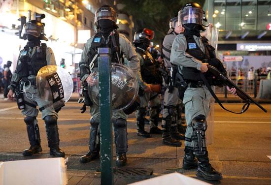 أعداد كبيرة من قوات الأمن ينتشرون بشوارع الإقليم