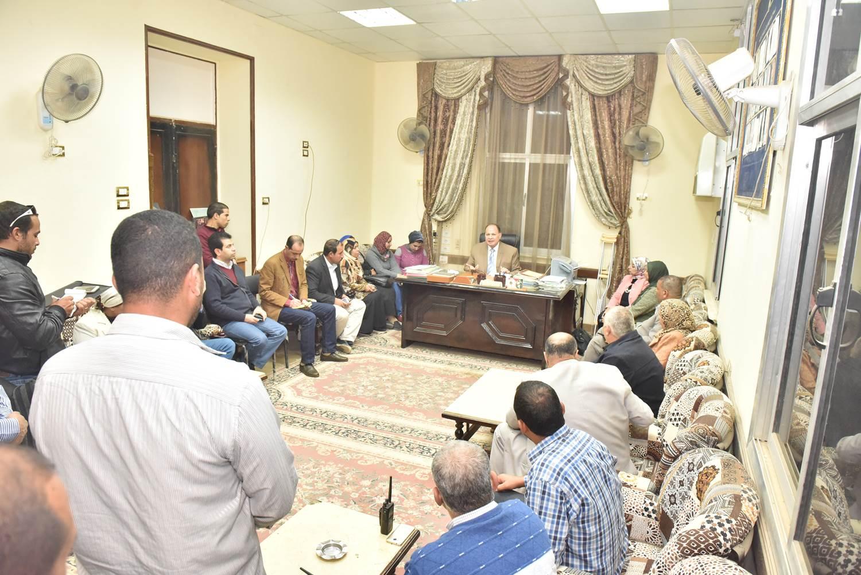 لقاء رؤساء الوحدات المحلية ومسئولى الادارات الهندسية بالقوصية (6)
