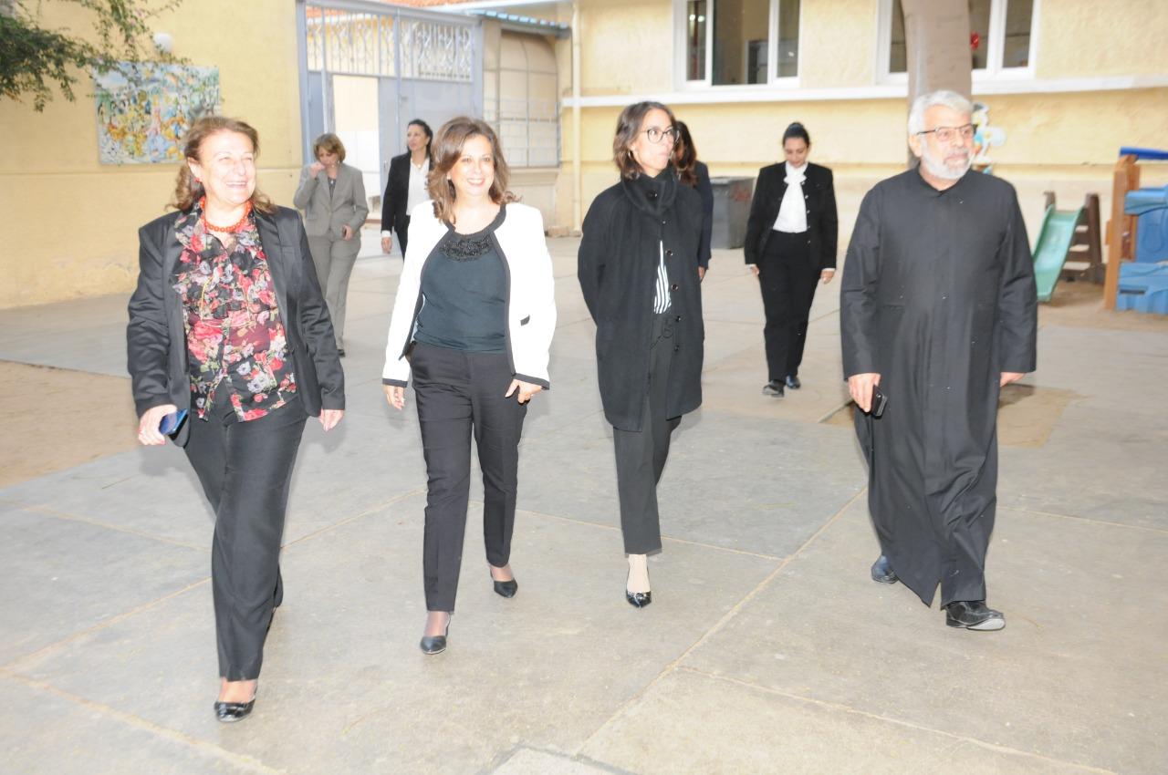 قنصل فرنسا بالإسكندرية تزور مدرسة فرنسية بمناسبة مرور 130عاما على إنشائها (3)