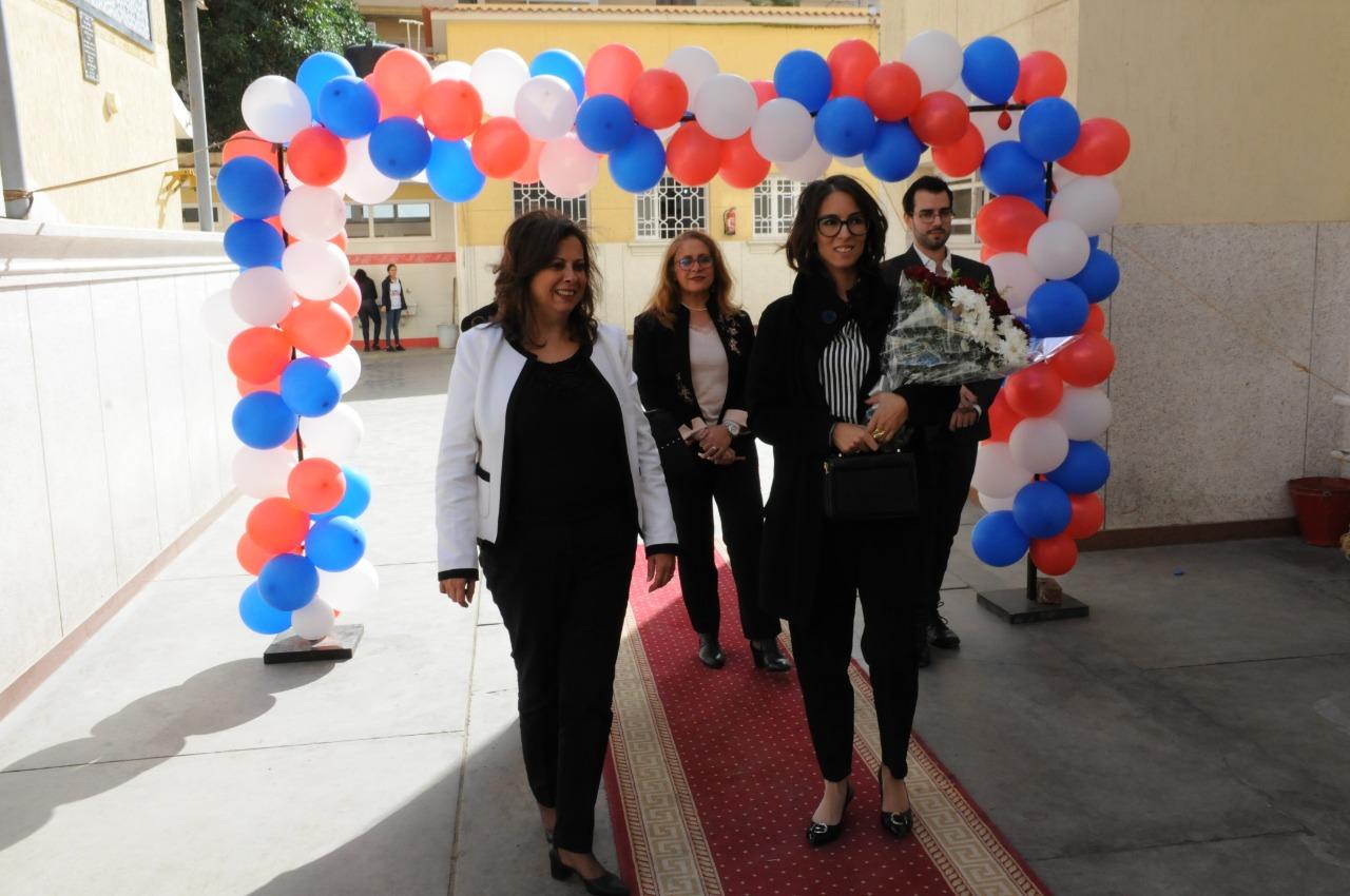 قنصل فرنسا بالإسكندرية تزور مدرسة فرنسية بمناسبة مرور 130عاما على إنشائها (4)