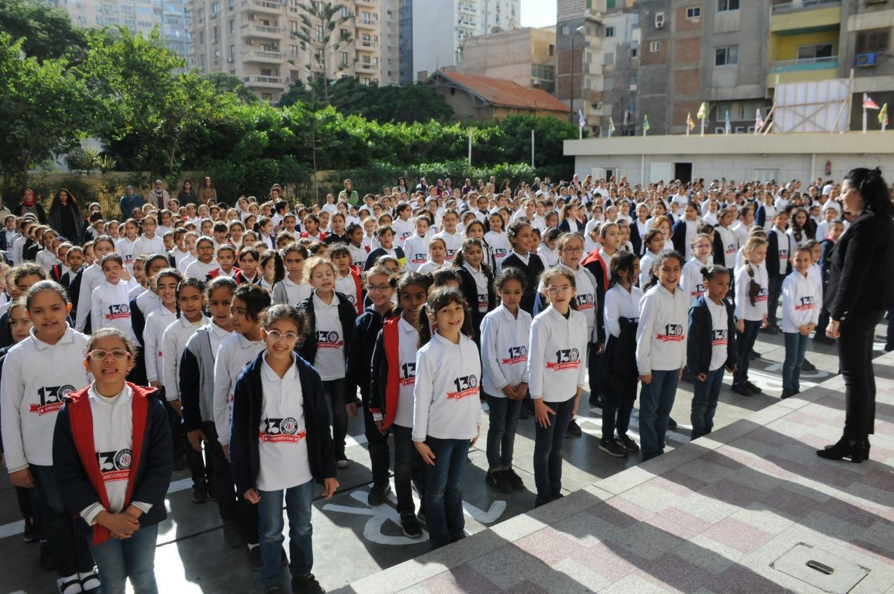 قنصل فرنسا بالإسكندرية تزور مدرسة فرنسية بمناسبة مرور 130عاما على إنشائها (8)