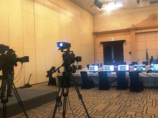 شاهد التجهيزات النهائية للمراكز الإعلامية للقمة الخليجية (5)