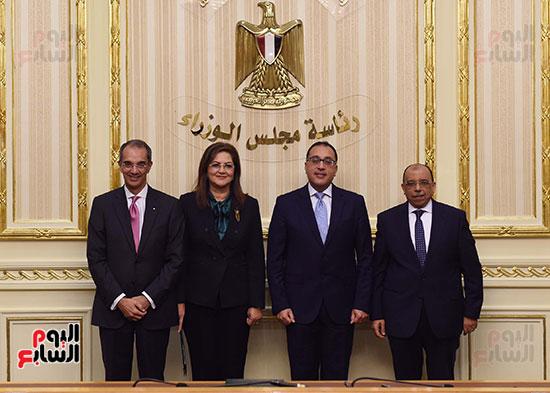 نوقيع اتفاقيات بمجلس الوزراء (6)