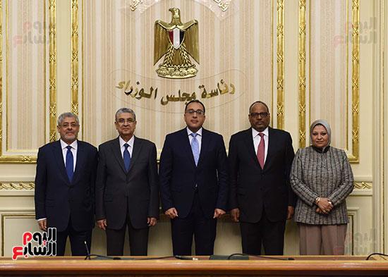 نوقيع اتفاقيات بمجلس الوزراء (3)