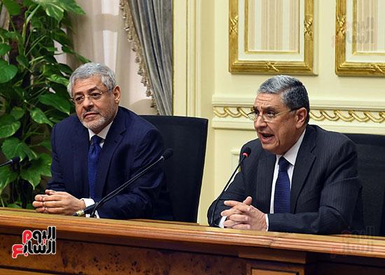 نوقيع اتفاقيات بمجلس الوزراء (7)