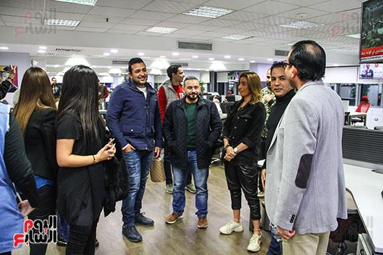 الشاعر تامر حسين والموزع أحمد عادل والمخرج خالد الشوربجى فى صالة تحرير اليوم السابع (2)