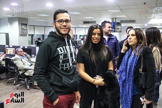 مريم عامر منيب واسرتها مع محررى اليوم السابع