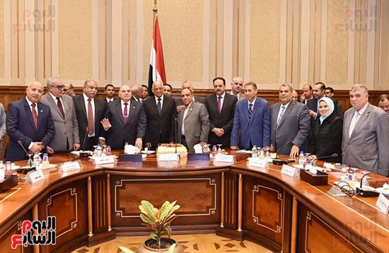 لجنة الدفاع والامن القومي (10)