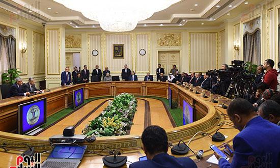 نوقيع اتفاقيات بمجلس الوزراء (8)