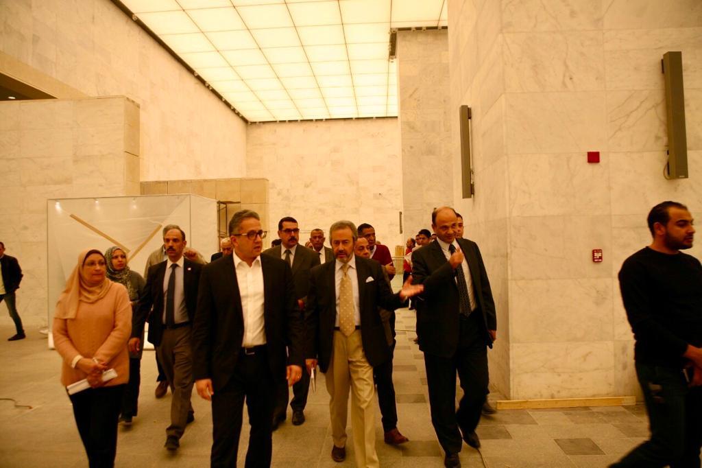 وزير الآثار يتابع أعمال التطوير فى متحف الحضارة (3)