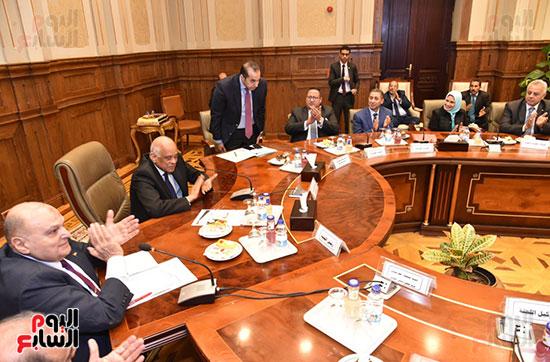 لجنة الدفاع والامن القومي (19)