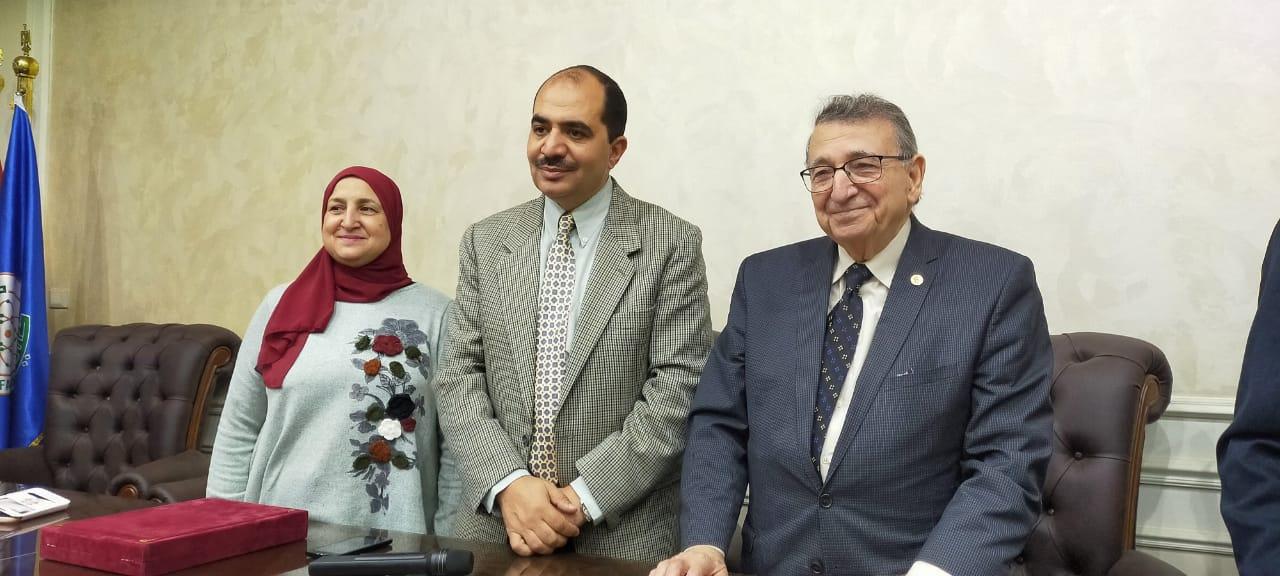 ندوة كلية العلوم جامعة عين شمس  (8)