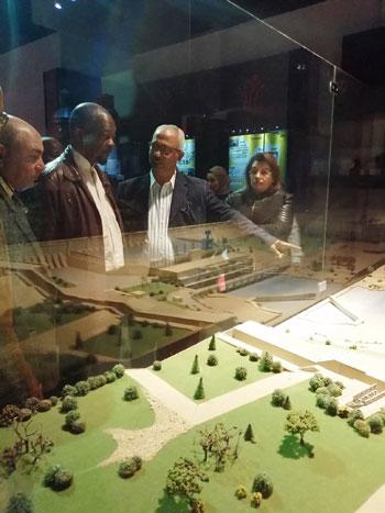 سفير موزمبيق يزور بمتحف النيل بأسوان
