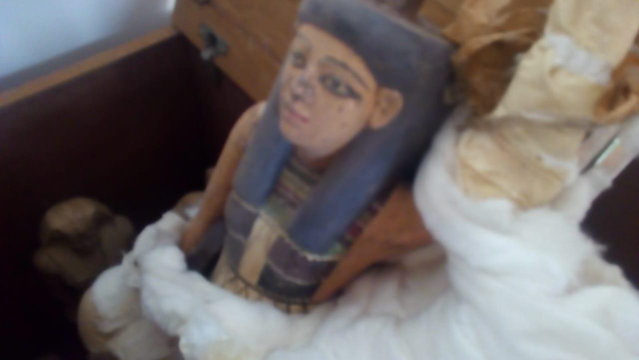 القطع الأثرية  (1)