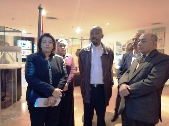 سفير موزمبيق يزور بمتحف النيل بأسوان (2)