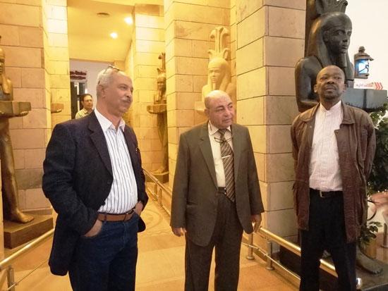 سفير موزمبيق يزور بمتحف النيل بأسوان (5)