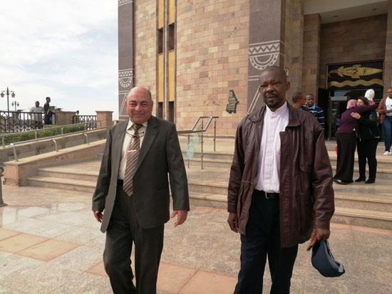 سفير موزمبيق يزور بمتحف النيل بأسوان (11)