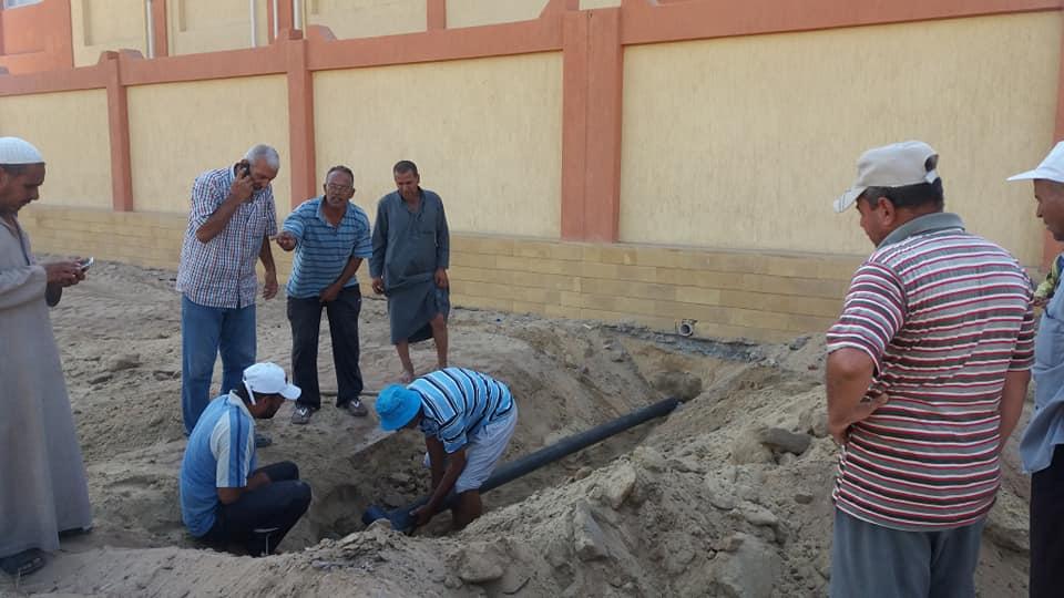2- أستكمال مشروع الصرف الصحى بالقرية