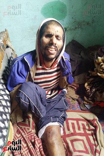 مواطن يطالب محافظ الشرقية بعلاجه وزوجته وترميم منزله المتصدع (5)