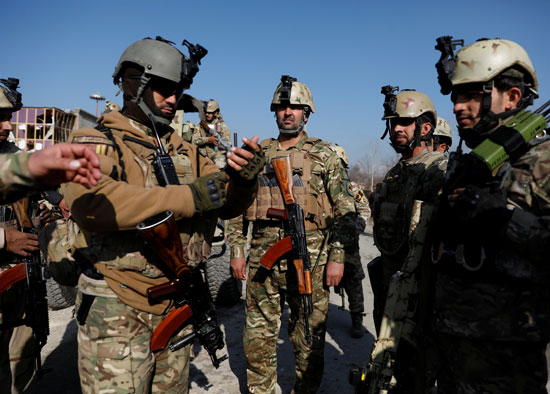 قوات-الأمن-بموقع-الحادث-فى-أفغانستان