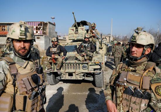 قوات-الأمن-الأفغانية-بموقع-الحادث
