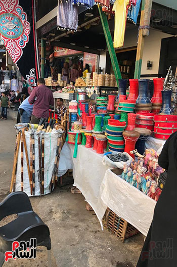 قصة كفاح سيدة فى بيع البخور والطبل بمدينة طنطا (3)