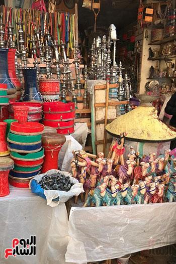 قصة كفاح سيدة فى بيع البخور والطبل بمدينة طنطا (4)