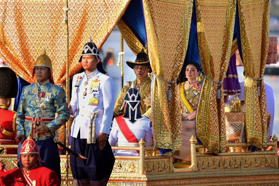ملك تايلاند وزوجته