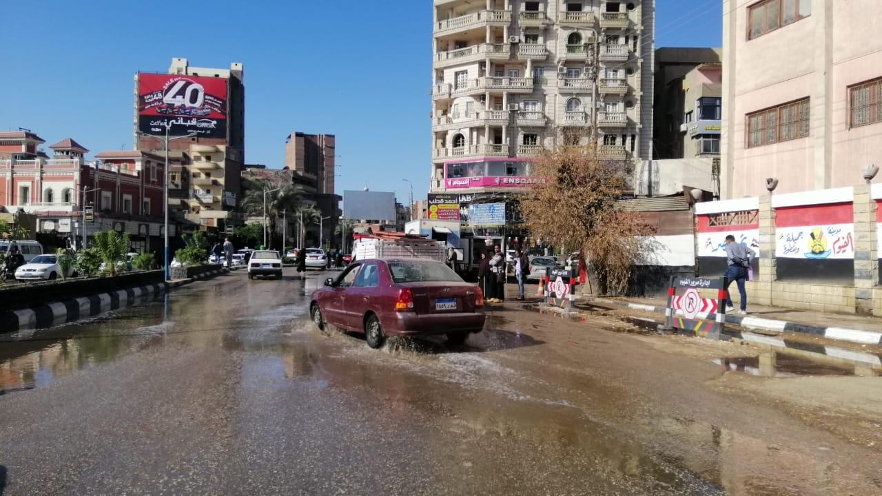 مياه الأمطار تغرق شوارع الفيوم (5)