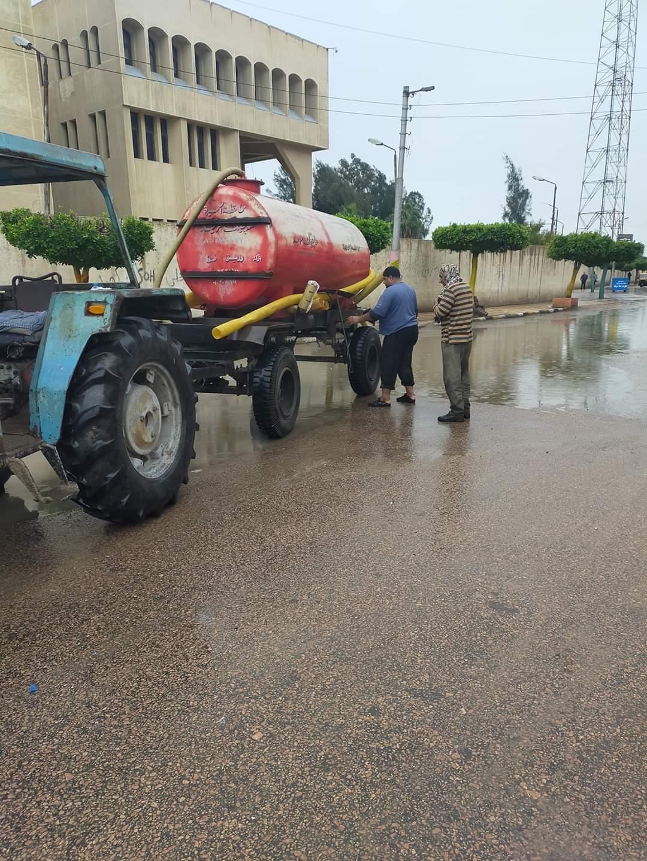 طوارئ بالبحيرة لمواجهة أثار الامطار الغزيرة وسوء حالة الطقس (3)