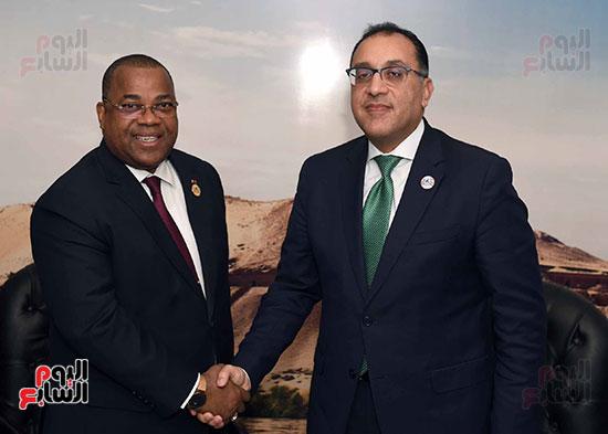 مصطفى مدبولى يلتقى رئيسى وزراء الجابون وغينيا الإستوائية (5)