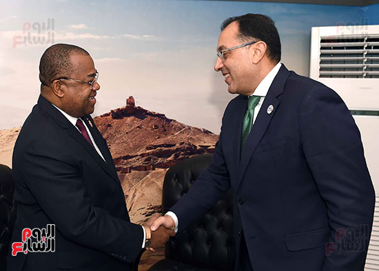 مصطفى مدبولى يلتقى رئيسى وزراء الجابون وغينيا الإستوائية (1)