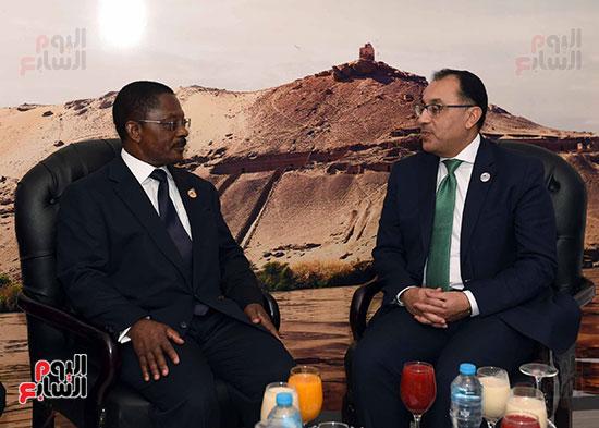 مصطفى مدبولى يلتقى رئيسى وزراء الجابون وغينيا الإستوائية (8)