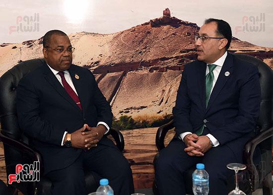 مصطفى مدبولى يلتقى رئيسى وزراء الجابون وغينيا الإستوائية (3)