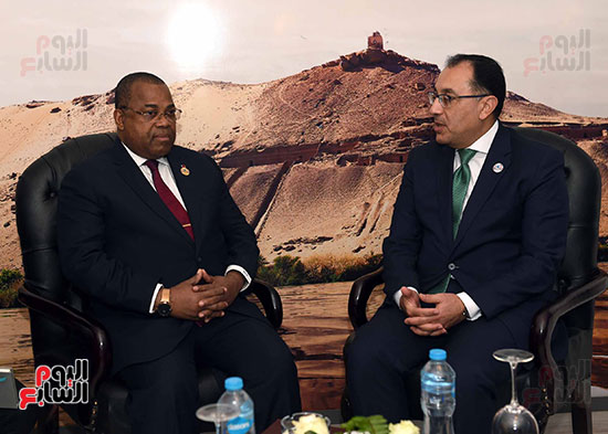 مصطفى مدبولى يلتقى رئيسى وزراء الجابون وغينيا الإستوائية (2)