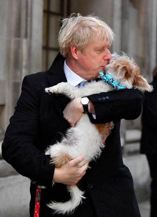 رئيس-الوزراء-البريطانى-مع-كلبه