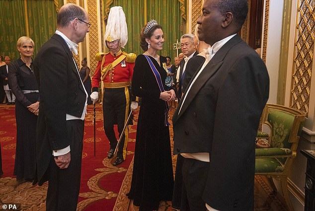 كيت تتألق في قصر باكنجهام