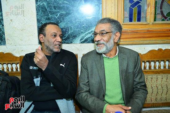 سيد رجب فى عزاء المخرج محسن حلمى