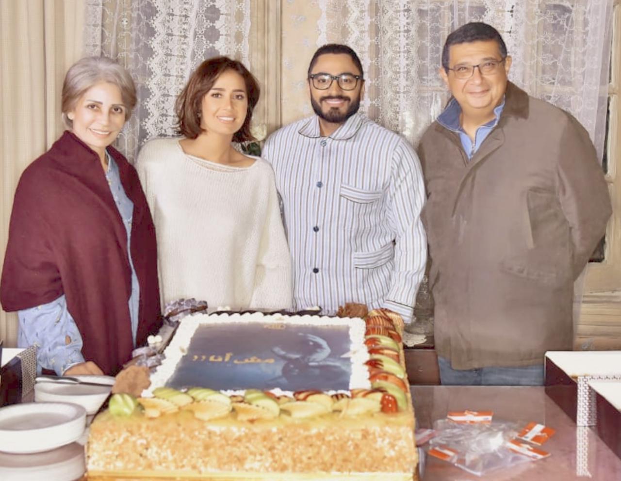 تامر حسني وماجد الكدواني و سوسن بدر و حلا شيحا
