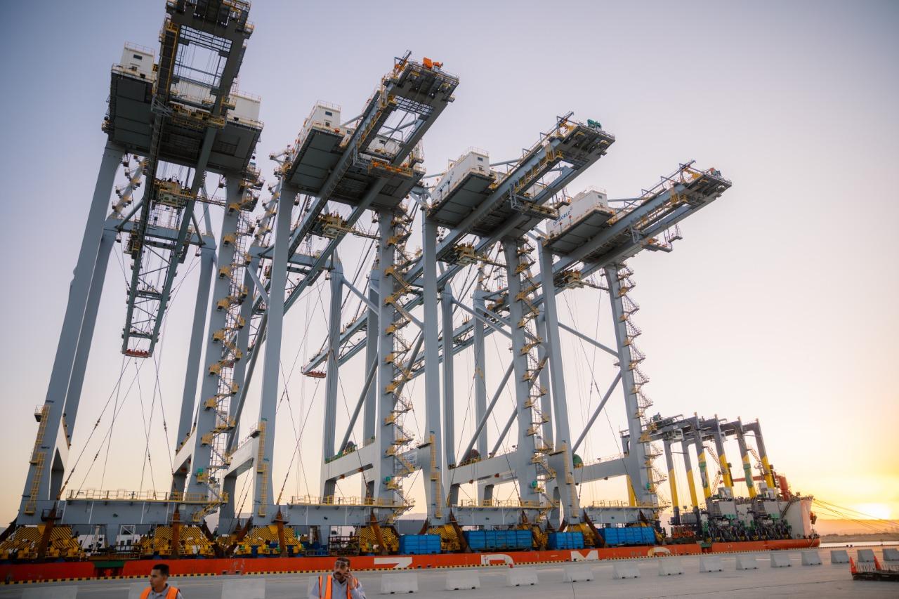 رافعات ميناء السخنة الجديدة