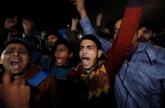 المحتجين فى الهند