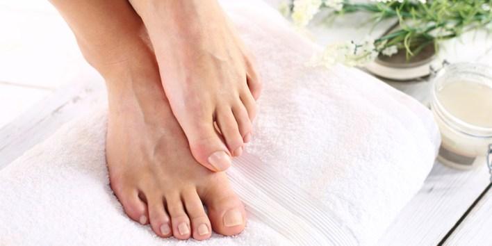 وصفات طبيعية لترطيب القدمين فى الشتاء (3)