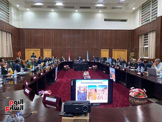اجتماع محافظ البحر الأحمر (4)