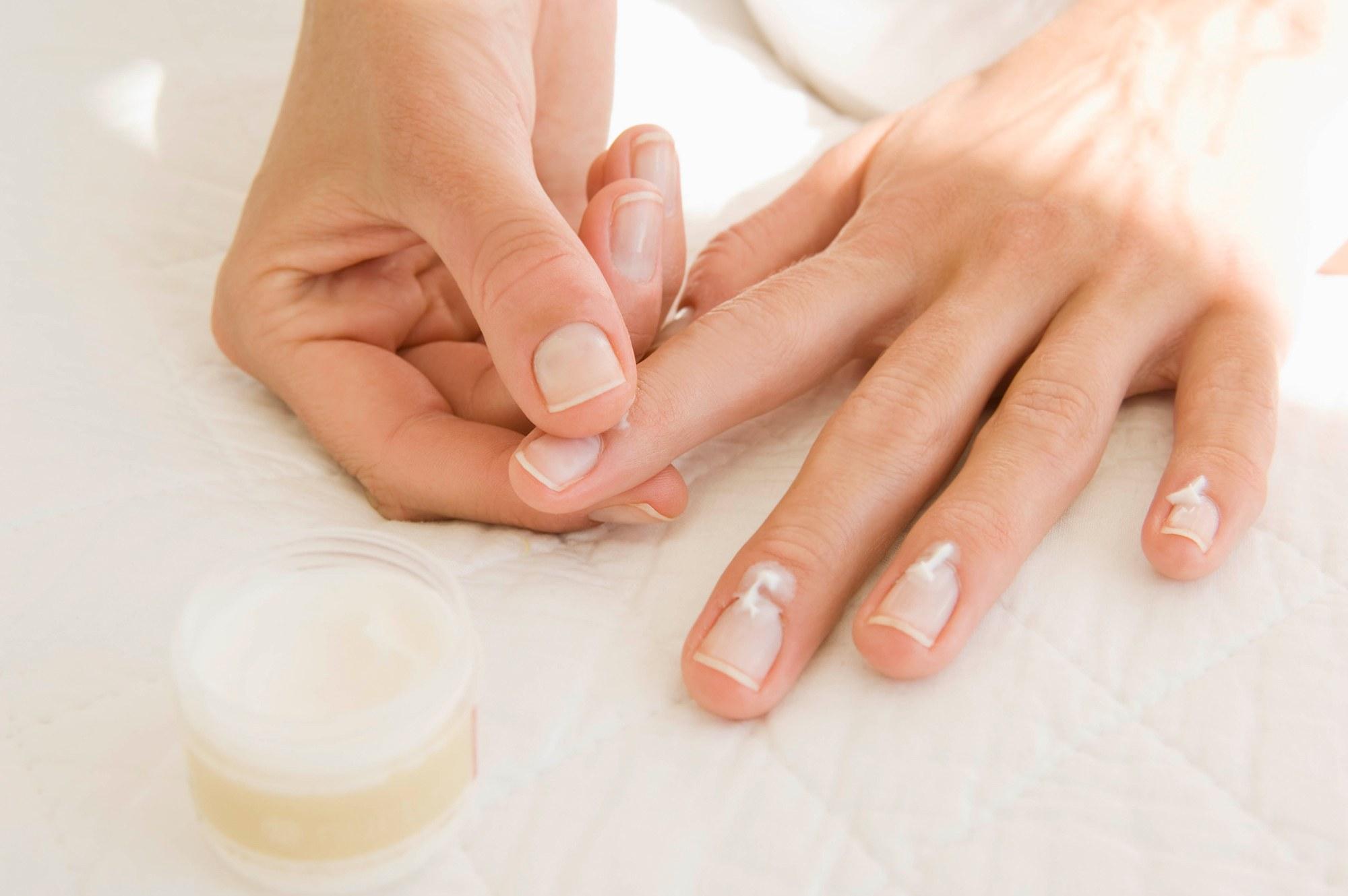 نصائح لإزالة طلاء الأظافر