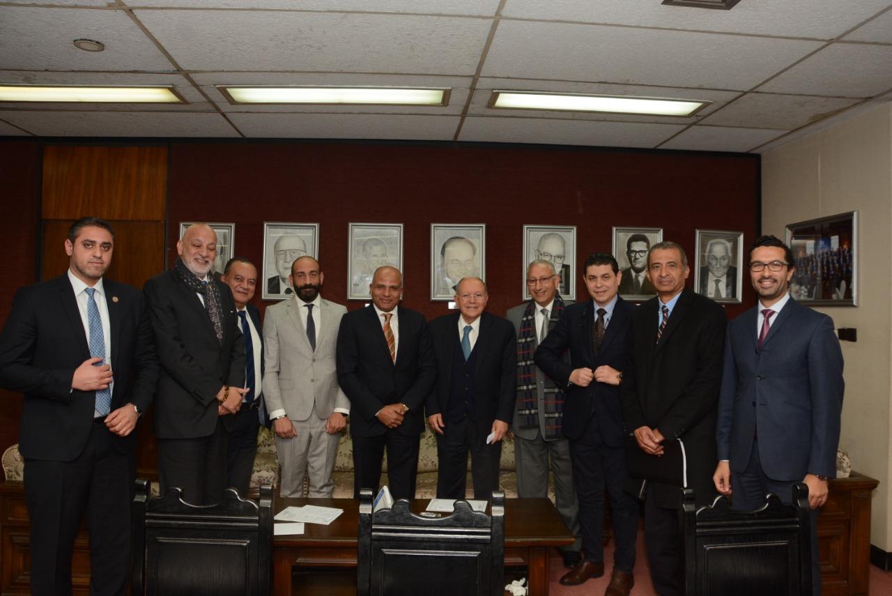 المشاركون باجتماع لجنة السياحة برجال الأعمال
