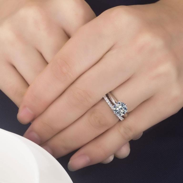 نصائح لاختيار خاتم الخطوبة